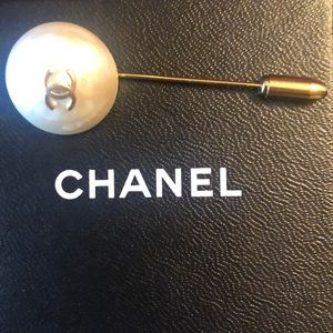 Chanel vintage pearl plated brooch